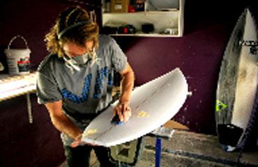 Stratifier sa planche de surf